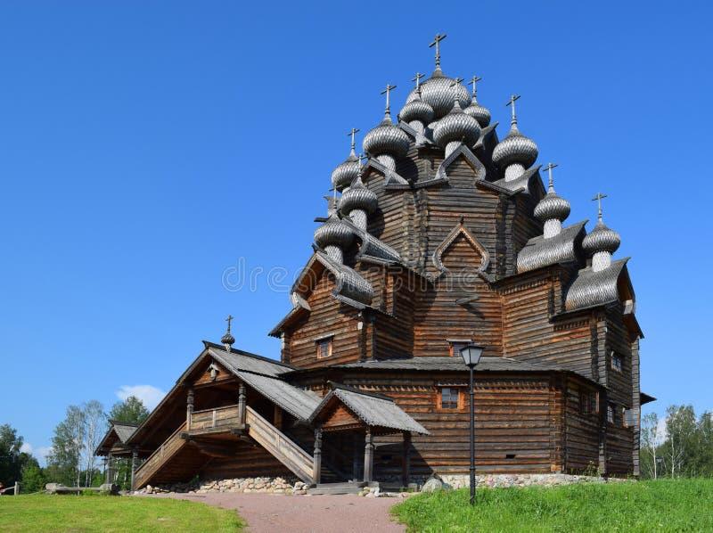 Chiesa di legno (chiesa) di Pokrovskaya, St Petersburg, Russia fotografia stock