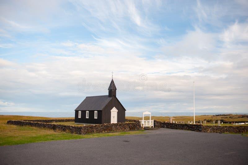 Chiesa di legno nera in Budir fotografia stock