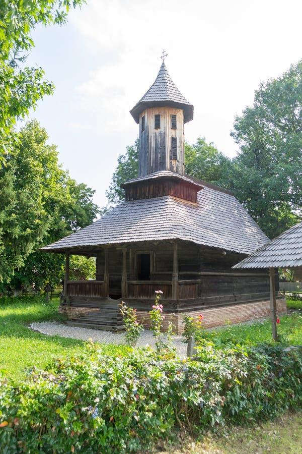 Chiesa di legno ortodossa rumena tradizionale immagini stock libere da diritti