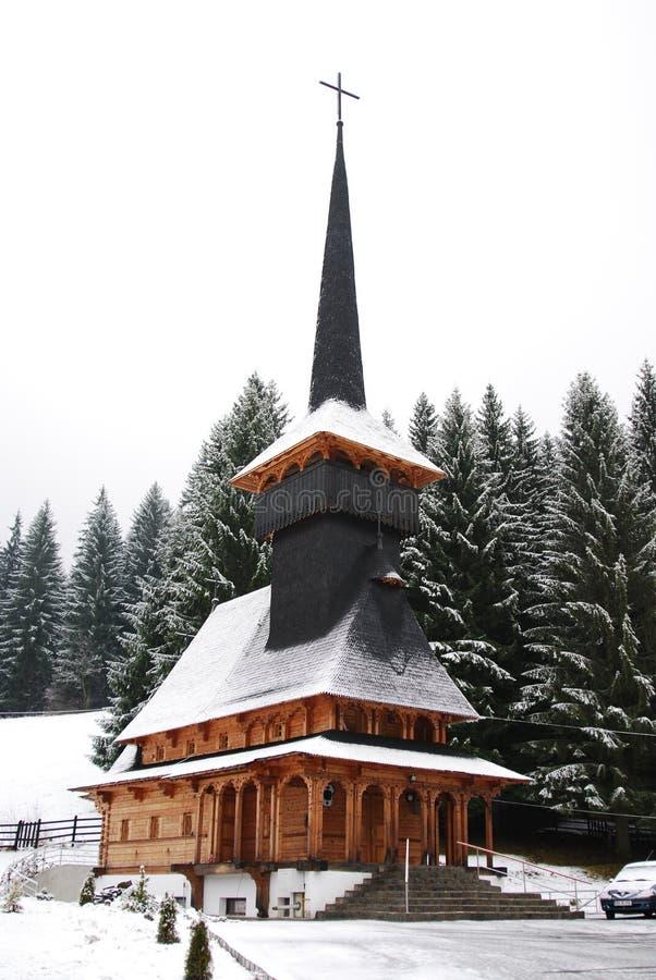 Chiesa di legno in Romania fotografia stock