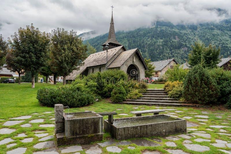 Chiesa di Les Praz a Chamonix-Mont-Blanc, Francia fotografia stock libera da diritti