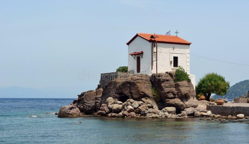 Chiesa di Madonna della sirena di Skala Sikaminias fotografia stock libera da diritti