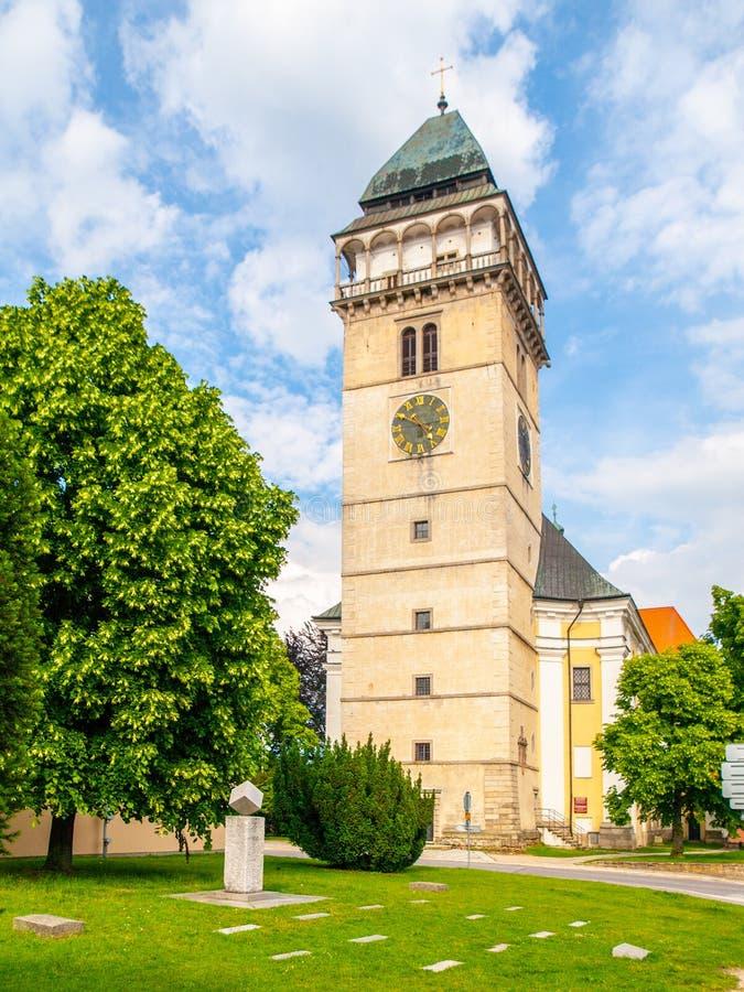 Chiesa di Saint Lawrence e del monumento del cubo dello zucchero, Dacice, repubblica Ceca immagini stock libere da diritti