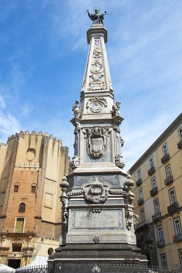 Chiesa Di San Domenico Maggiore i statua święty Dominic, Naples obraz stock