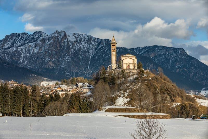 Chiesa di San Giorgio, Castello-Molina di Fiemme, Italien arkivfoton