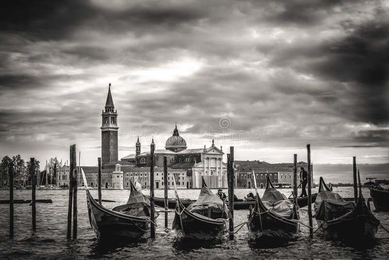 Chiesa di San Giorgio Maggiore y gondoles en Venecia, Italia PH fotografía de archivo libre de regalías
