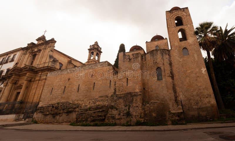 Chiesa di San Giovanni degli Hermit, in italiano, chiamata San Giovanni degli Eremiti, Palermo fotografia stock libera da diritti