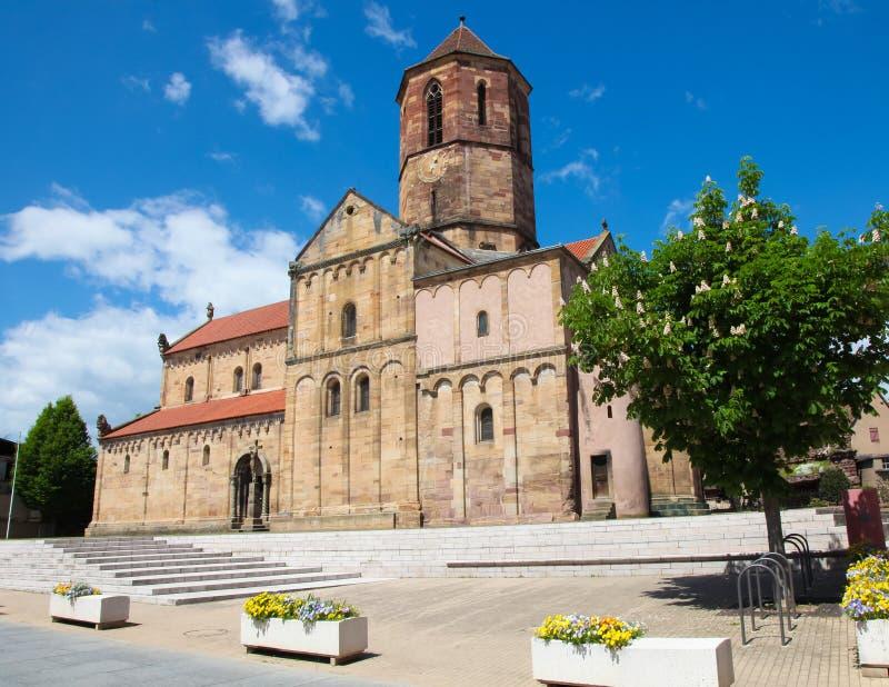 Chiesa di San-Pierre-et-Paul in Rosheim, l'Alsazia, Francia fotografie stock