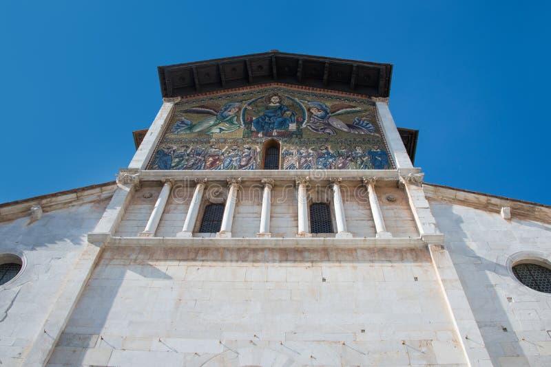 Chiesa di San Salvatore Lucca com iconografia fotografia de stock royalty free