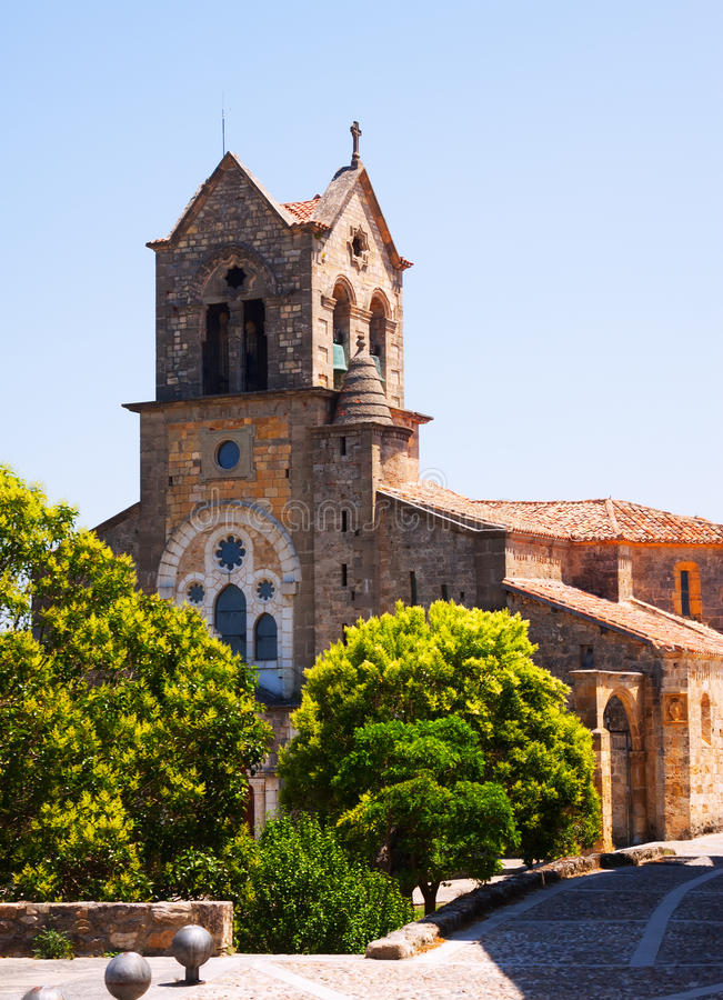Chiesa di San Vicente Martir y San Sebastian in Frias fotografie stock