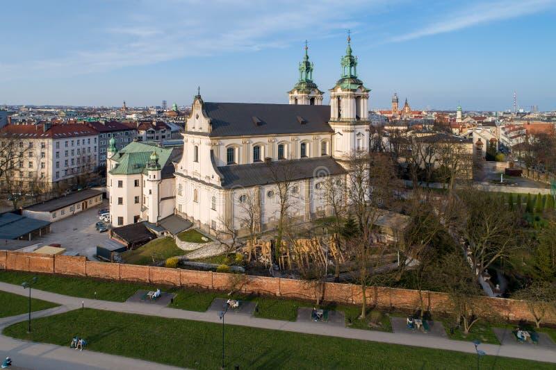 Chiesa di Skalka e orizzonte di Cracovia, Polonia immagine stock libera da diritti