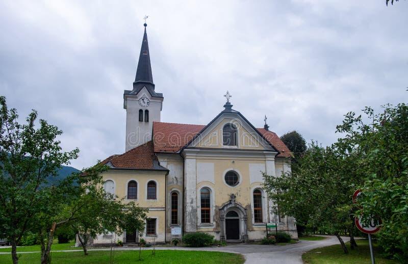 Chiesa di St Peter e di Paul Osilnica slovenia fotografie stock