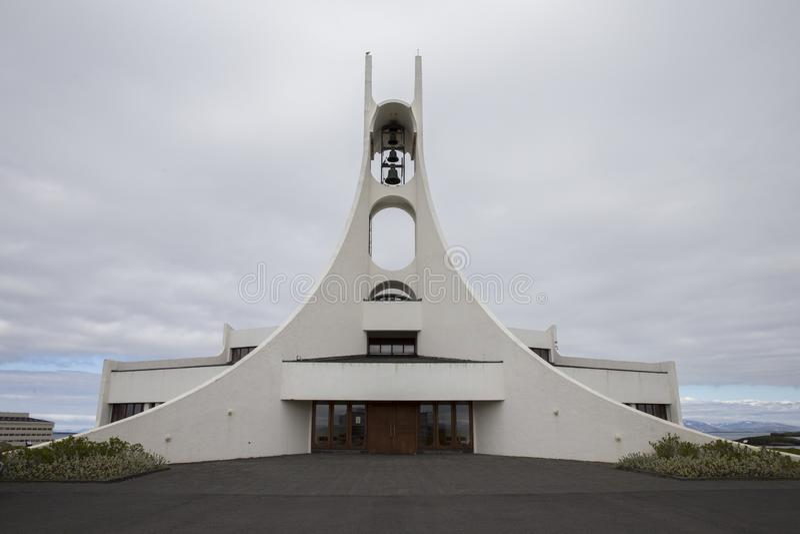 Chiesa di Stykkisholmskirkja in Islanda immagini stock libere da diritti