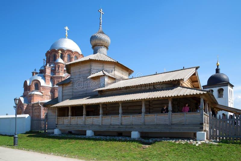 Chiesa di trinità di legno antica in St John il monastero del battista Sviyazhsk, Tatarstan fotografie stock libere da diritti