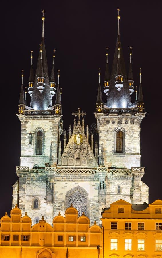 Chiesa di Tyn, limite di vecchia città di Praga immagini stock libere da diritti