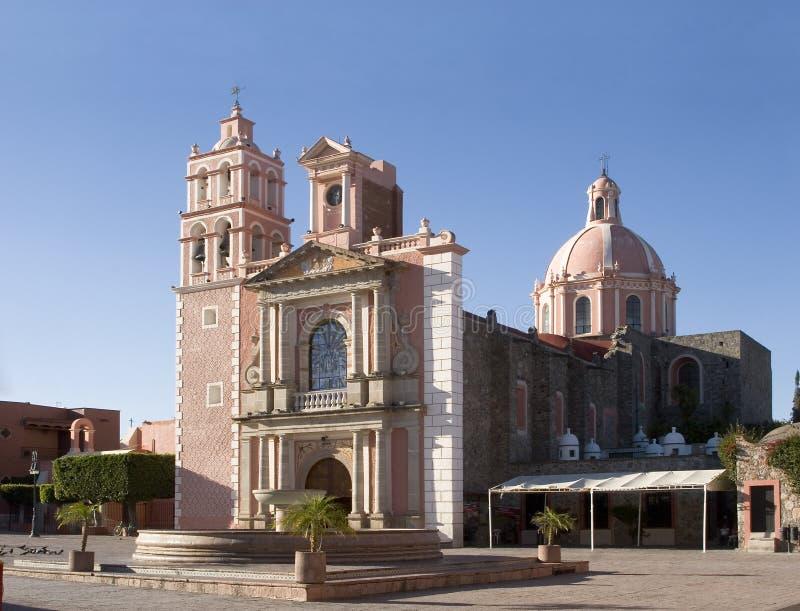 Chiesa e quadrato di Tequisquapan fotografia stock libera da diritti
