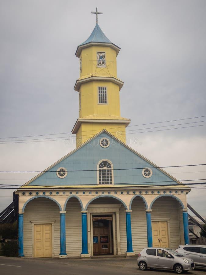 Chiesa fatta di legno in Chonchi, isola di Chiloe nel Cile Nuestra S fotografia stock libera da diritti