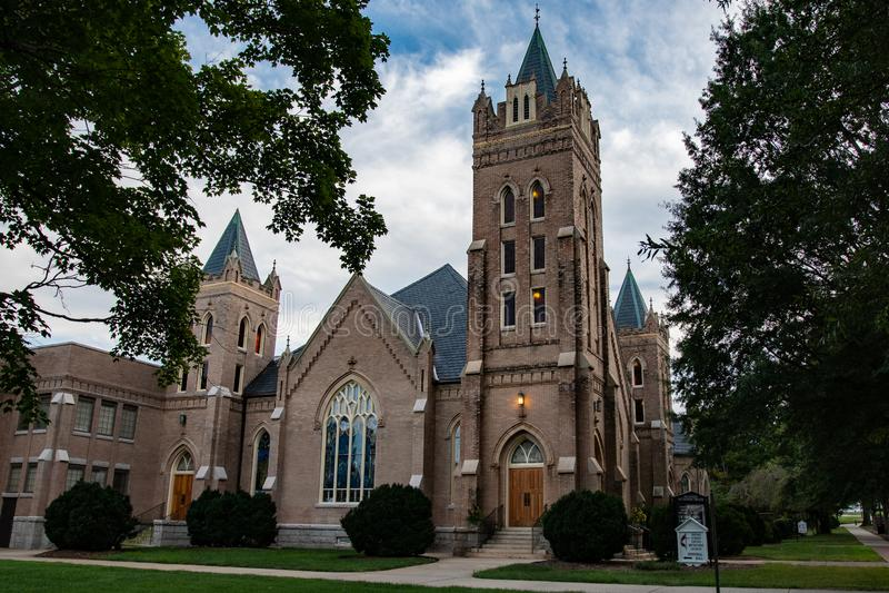 Chiesa metodista unita della vasta via immagine stock