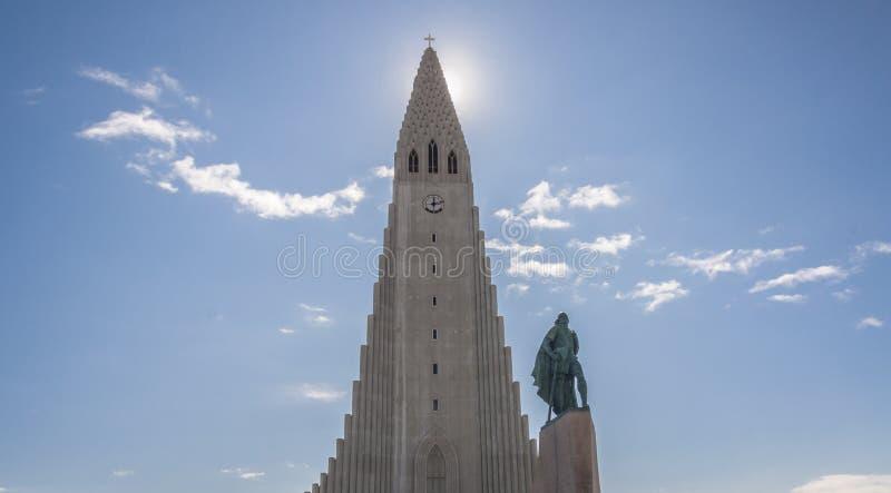 Chiesa moderna a Reykjavik - Hallgrimskirkja, Islanda. fotografia stock