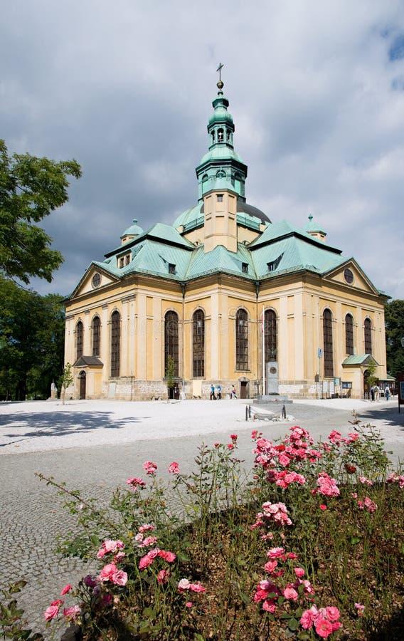 Chiesa nel Jelenia Gora, Polonia fotografie stock libere da diritti