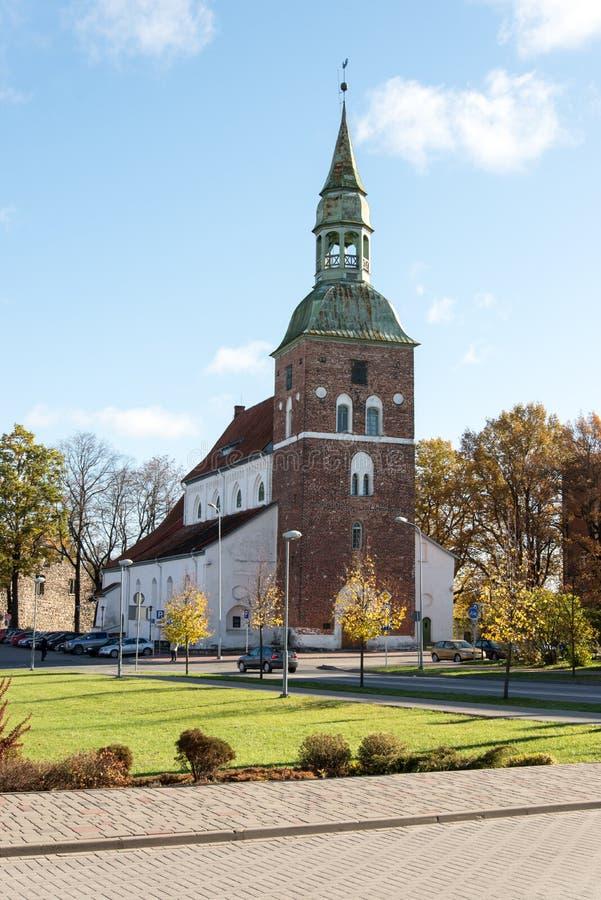 Chiesa nel Latvia valmiera immagini stock
