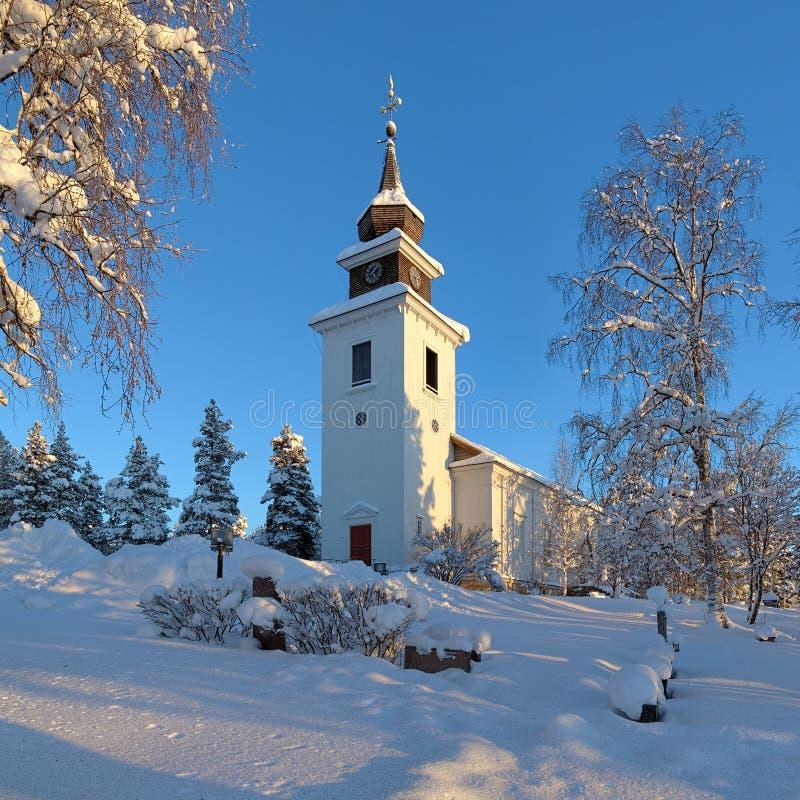 Chiesa nell'inverno, Svezia di Vilhelmina fotografia stock libera da diritti