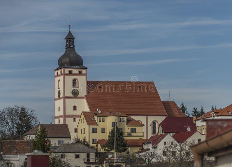 Chiesa nella città di Rudolfov vicino a Ceske Budejovice fotografia stock