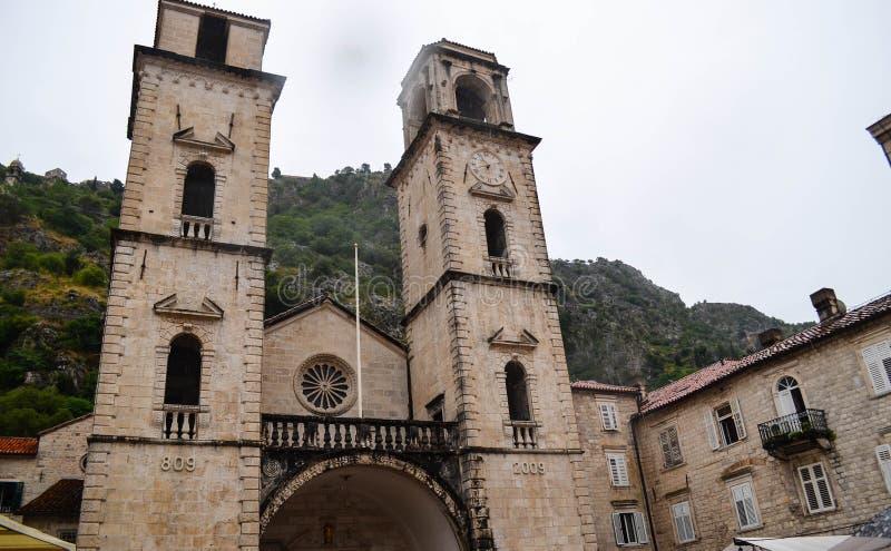 chiesa nella vecchia città di Cattaro, Montenegro fotografia stock
