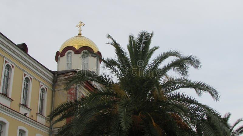 Chiesa ortodossa in Novy Afon, Abkhazia Centro di ortodossia nel Caucaso fotografie stock libere da diritti