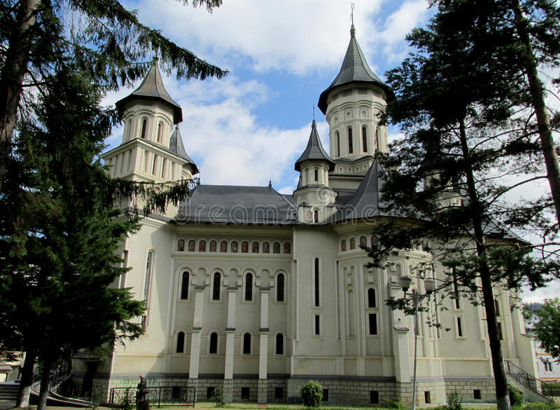 Chiesa ortodossa rumena in Suceava immagini stock libere da diritti