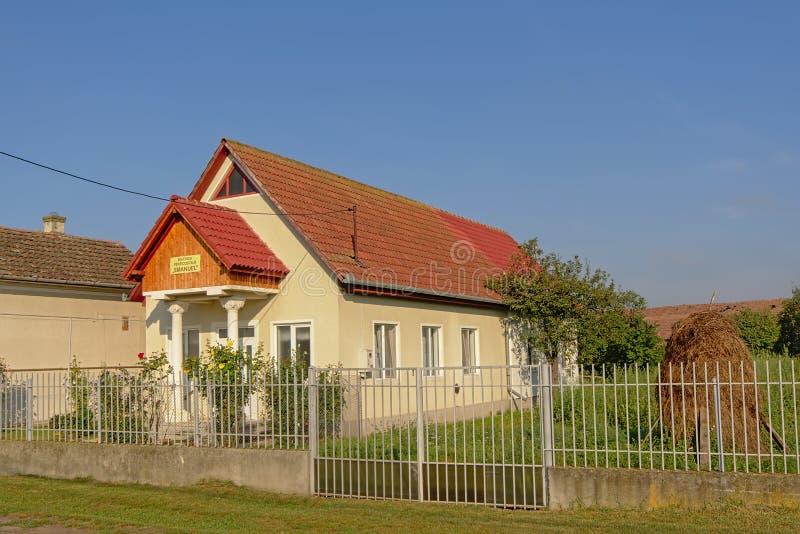 Chiesa pentecostale in Aurel Vlaicu, Romania fotografia stock libera da diritti