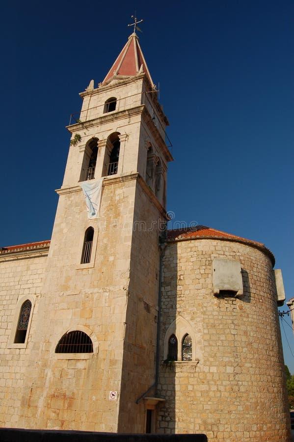 Chiesa in Postira sull'isola di Brac fotografia stock libera da diritti