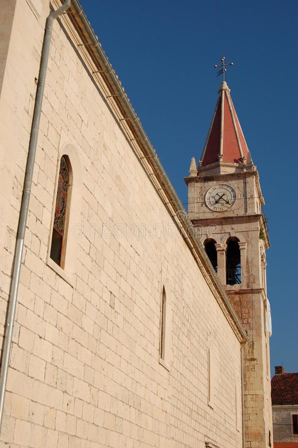 Chiesa in Postira sull'isola di Brac immagine stock libera da diritti