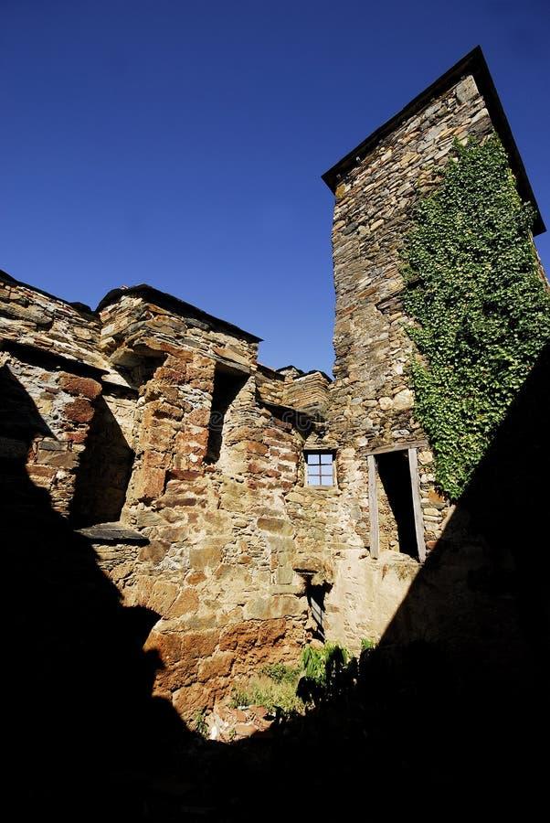 Chiesa romanica in monastero di San Clodione, provincia di Lugo, stazione termale immagini stock