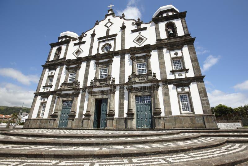 Chiesa tradizionale delle Azzorre nell'isola del Flores Raggiro di Nossa Senhora da immagine stock