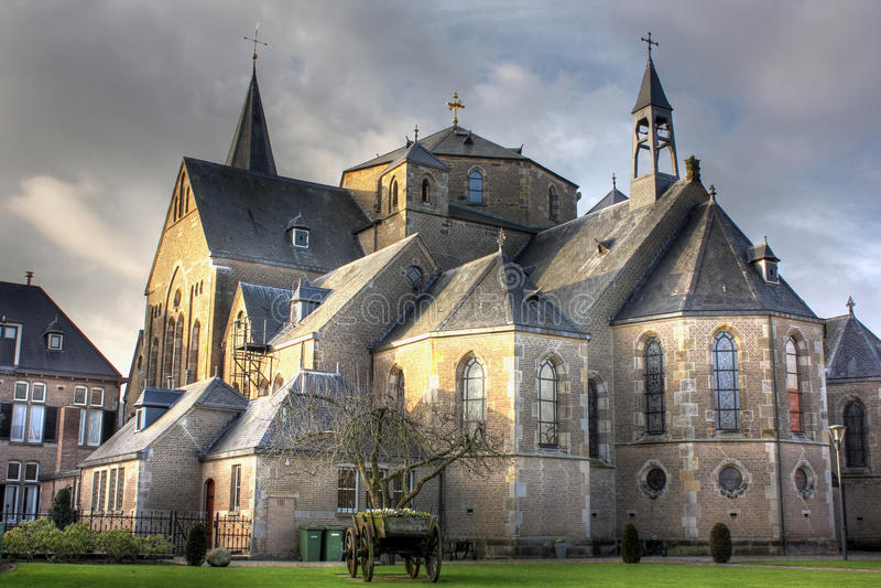 Chiesa in vista a Denekamp - Overijssel, Paesi Bassi fotografie stock