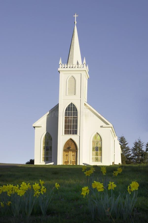 Chiesa w/flower della st Teresa s fotografia stock libera da diritti