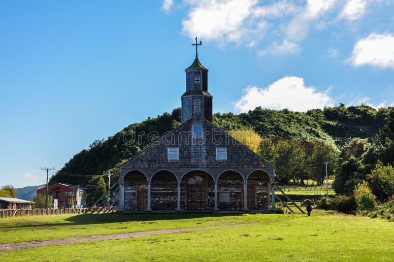 Chiese colorate e di legno splendide, isola di Chiloé, Cile fotografie stock libere da diritti
