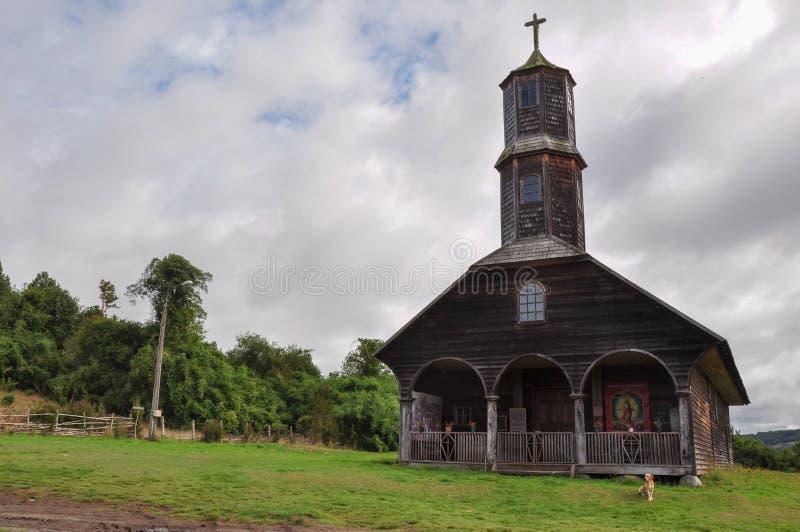 Chiese colorate e di legno splendide, isola di Chiloe, Cile fotografie stock libere da diritti