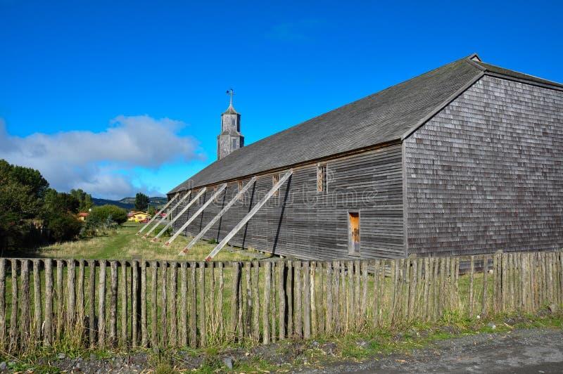 Chiese colorate e di legno splendide, isola di Chiloe, Cile immagine stock libera da diritti