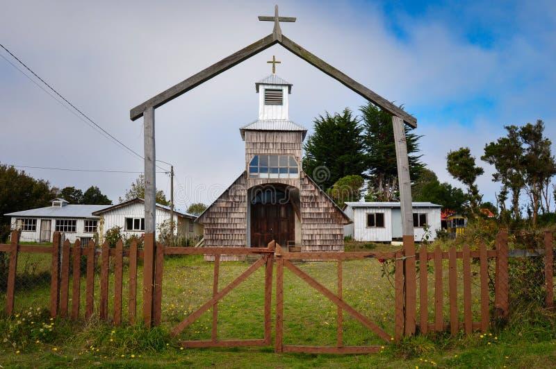 Chiese colorate e di legno splendide, isola di Chiloe, Cile fotografie stock