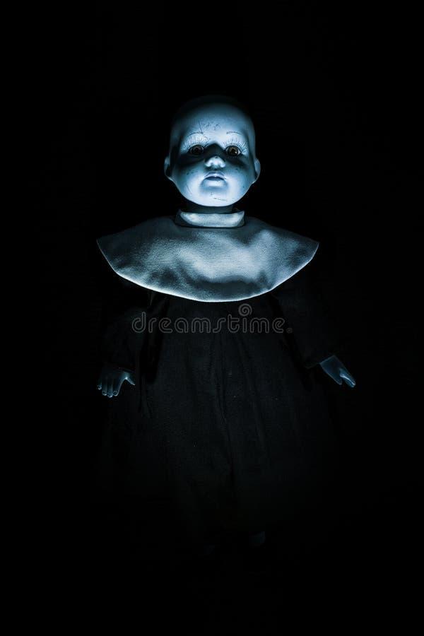 Chiffre de la poupée de l'enfant de hantise photos libres de droits