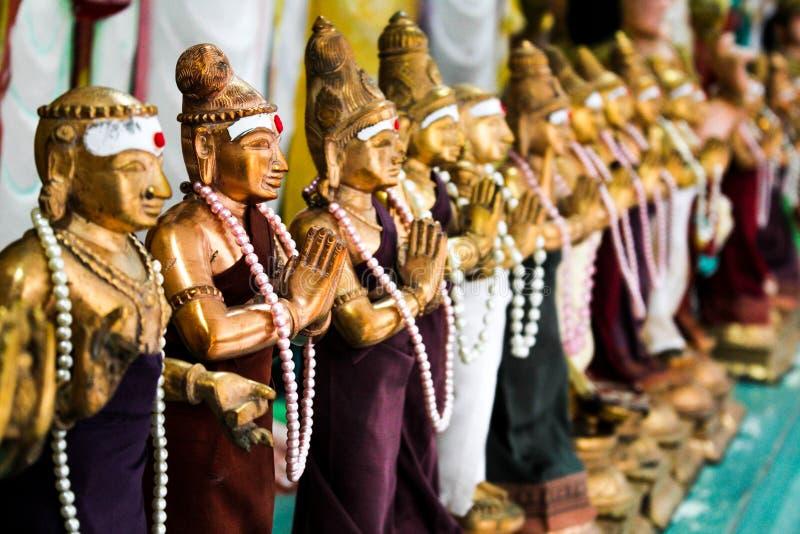 Chiffres d'hindouisme et statues indoues images libres de droits