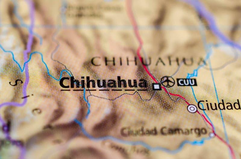 Chihuahuastad op kaart stock foto's