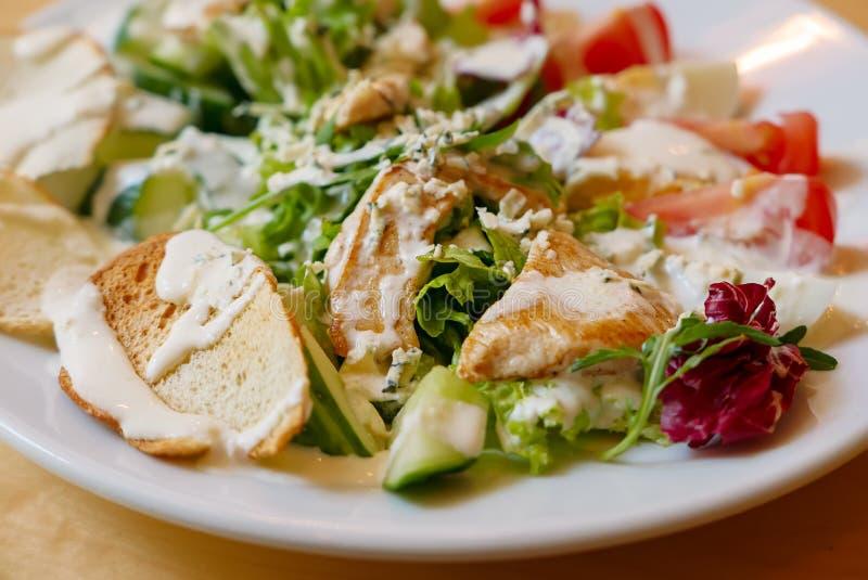 chiken салат стоковые фотографии rf