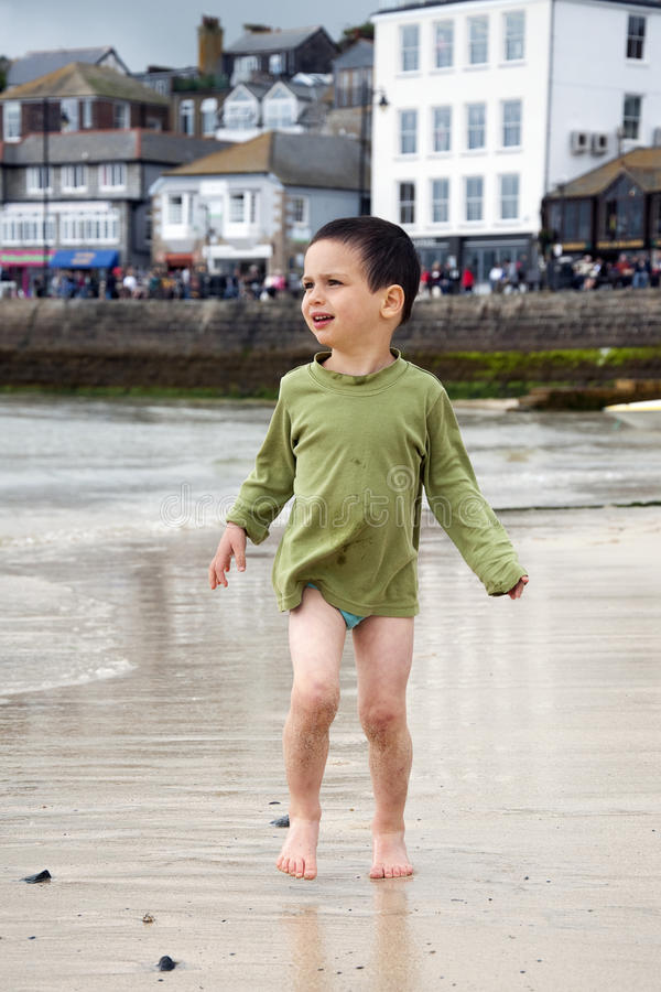 Free Child At Sea Port Royalty Free Stock Photography - 28230367