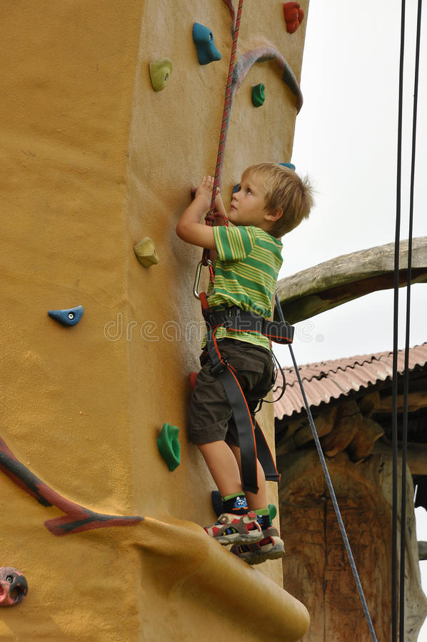 Free Child Climbing Wall Stock Images - 15803484