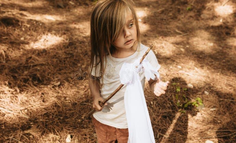 child forest playing стоковая фотография