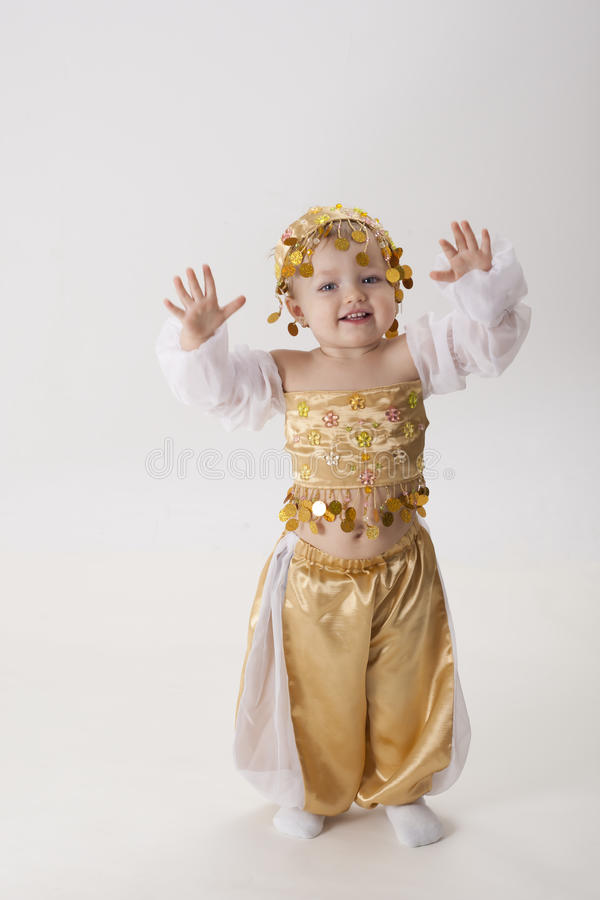 Download Child Forms The Eastern Dancer Stock Photo - Image: 28789300