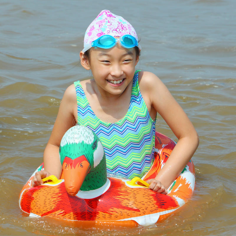 Free Child In The Sea Royalty Free Stock Images - 10905969